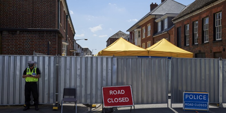 Grande-Bretagne: un policier hors de danger après une crainte d'exposition au Novitchok