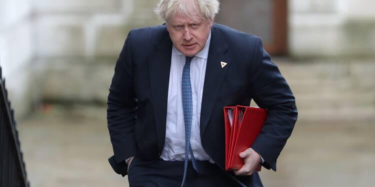 Désaccords sur le Brexit: Theresa May perd deux poids lourds de son gouvernement