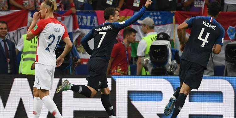 France-Croatie: les Bleus, devant à la mi-temps, entrevoient leur étoile