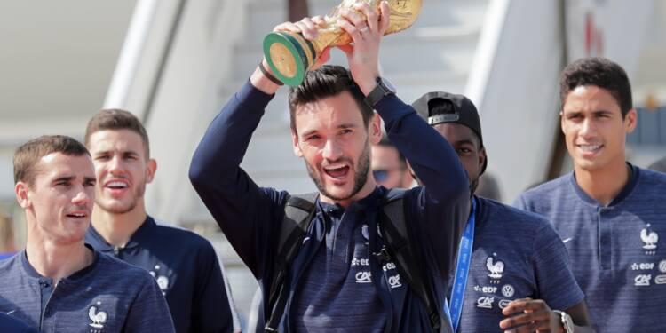 Les Bleus champions du monde font un retour triomphal en France