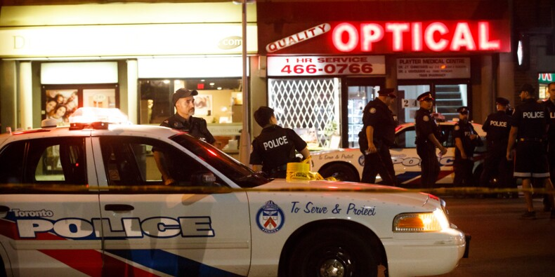 Fusillade à Toronto: deux morts, dont le tireur, et 13 blessés