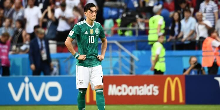 """""""Lamentable"""" ou """"respect"""", la polémique enfle sur le départ d'Özil de la selection allemande"""