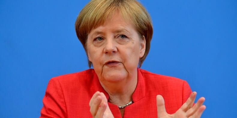"""Allemagne: Merkel """"respecte"""" le retrait d'Özil de l'équipe nationale de football"""