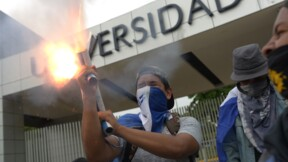 Nicaragua: Ortega entend rester, les opposants continuent de manifester