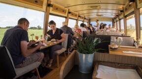 """Le """"Bus 26"""", autobus gastronomique itinérant dans les campagnes françaises"""
