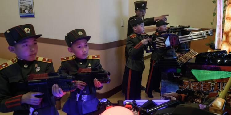 En Corée du Nord, l'Ecole révolutionnaire pour garçons enseigne la fidélité