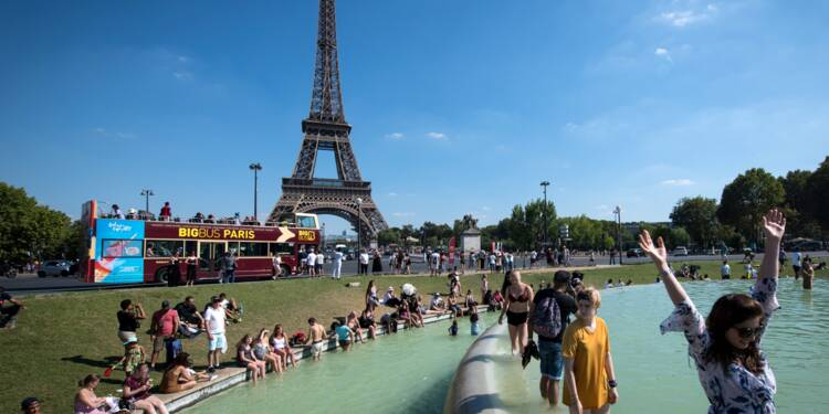 """Tour Eiffel: fin de la grève , la """"Dame de fer"""" rouvre ses portes vendredi"""