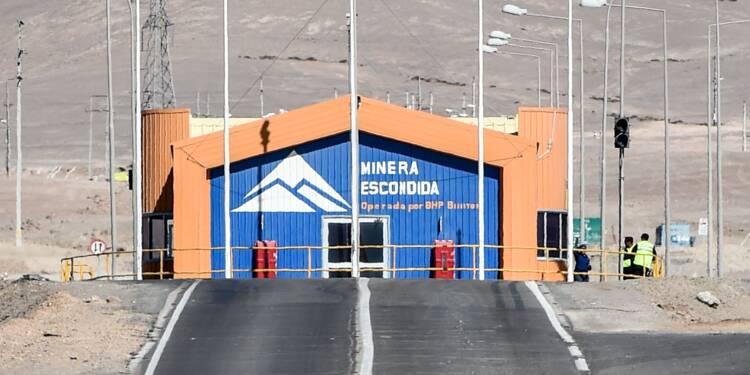 Chili: un accord évite une grève à la mine de cuivre d'Escondida