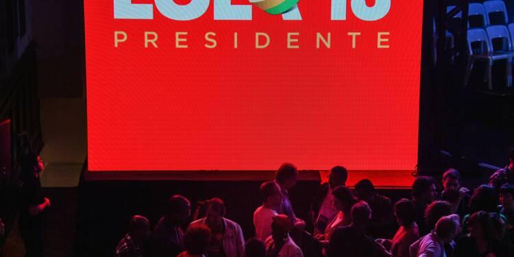 Brésil: depuis sa prison, Lula en lice pour un troisième mandat