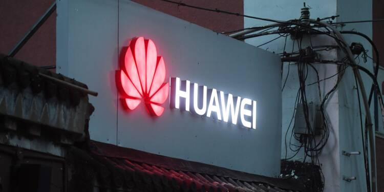 """Smartphones: Huawei, le """"loup"""" chinois qui a détrôné Apple et rêve du 1er rang mondial"""