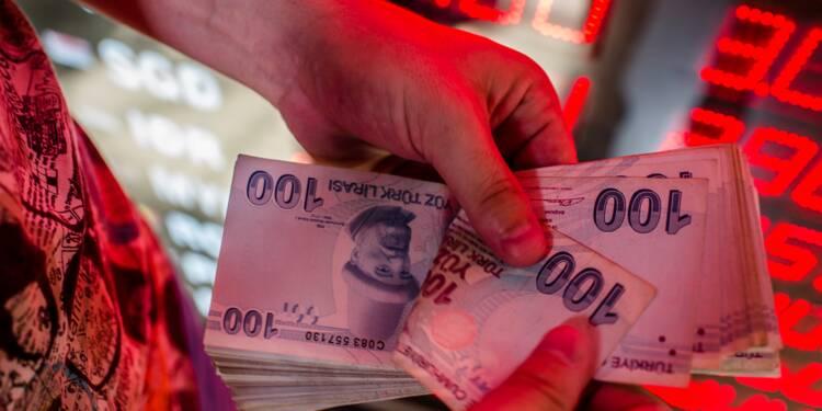 """Crise de la livre turque: Ankara """"ne perdra pas la guerre économique"""", lance Erdogan"""