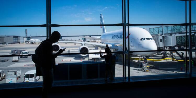 Air France: les pilotes menacent de faire grève si le futur patron ne négocie pas les salaires