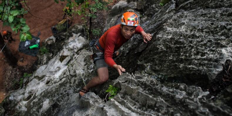 Trois Birmans à la conquête de la plus haute montagne présumée d'Asie du Sud-Est