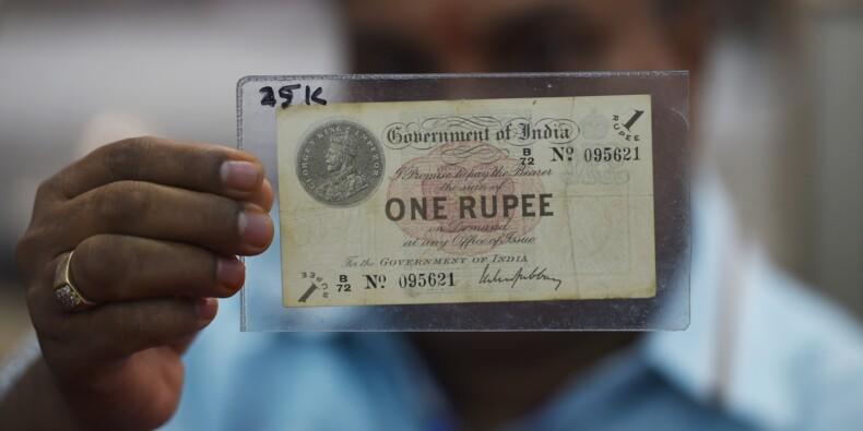 La roupie indienne atteint son plus bas niveau face au dollar à 70 roupies