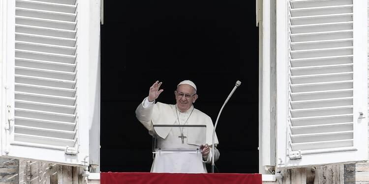 """Prêtres pédophiles aux USA: le Vatican exprime sa """"honte"""" et sa """"douleur"""""""