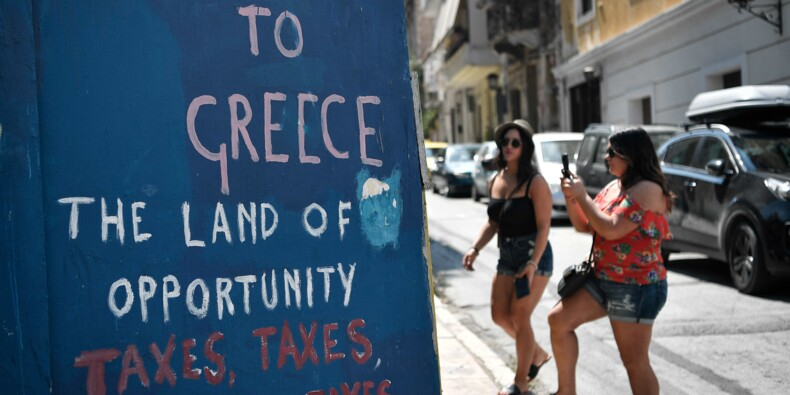 """La Grèce sort du """"cauchemar"""" des plans d'aide mais les doutes persistent"""