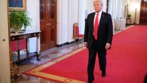 """Trump: les marchés vont """"s'effondrer"""" si je suis destitué"""