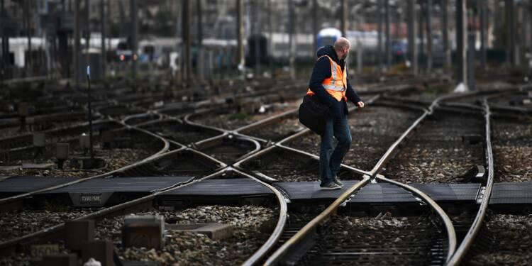 """Déraillement d'un TGV à Marseille: """"plusieurs jours"""" avant un trafic normal"""