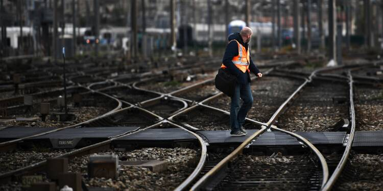 Marseille: le trafic restera perturbé samedi après le déraillement d'un TGV