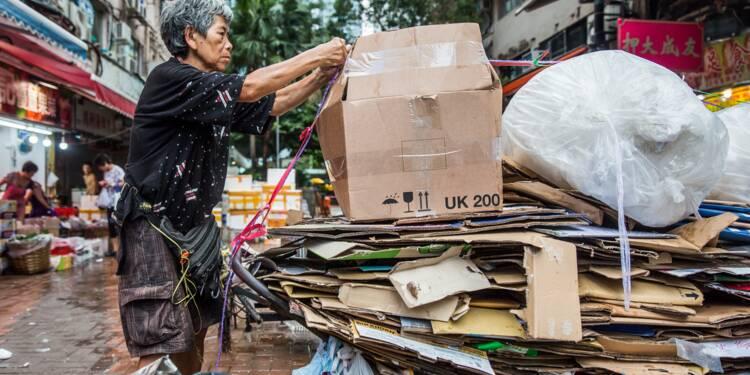 A Hong Kong, les ramasseurs de cartons risquent de perdre leurs débouchés
