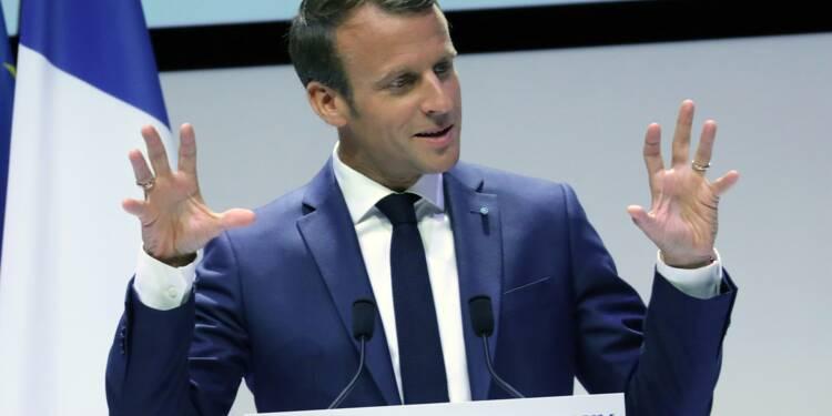 """Macron endosse le rôle d'""""opposant principal"""" à Orban et Salvini"""