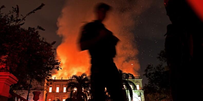 Un incendie ravage le Musée National de Rio de Janeiro, joyau culturel du Brésil