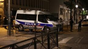 Agressions au couteau à Paris: un blessé dans un état critique, garde à vue de l'auteur prolongée