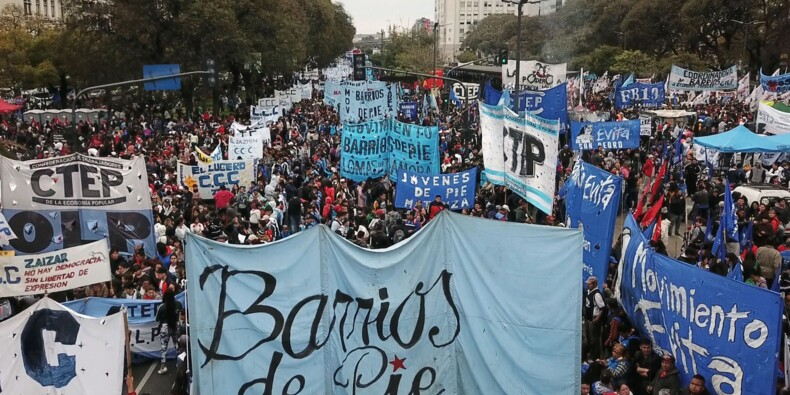 """""""Arrêtez de piller nos salaires"""": les Argentins se mobilisent contre l'austérité"""