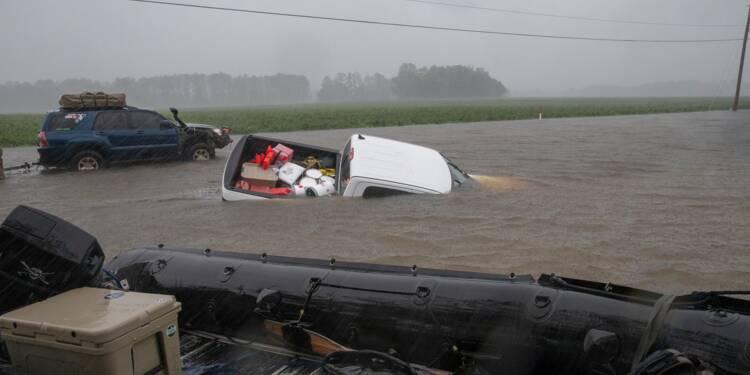 Après l'ouragan, les inondations menacent dans l'est des Etats-Unis, 13 morts