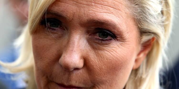 """Européennes: Marine Le Pen prédit de """"beaux jours"""" malgré les affaires"""