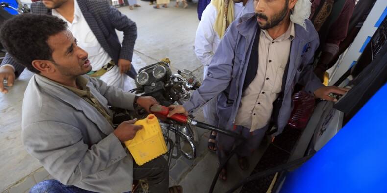 Yémen: pénuries d'essence, envolée des prix... Le quotidien des habitants de Sanaa