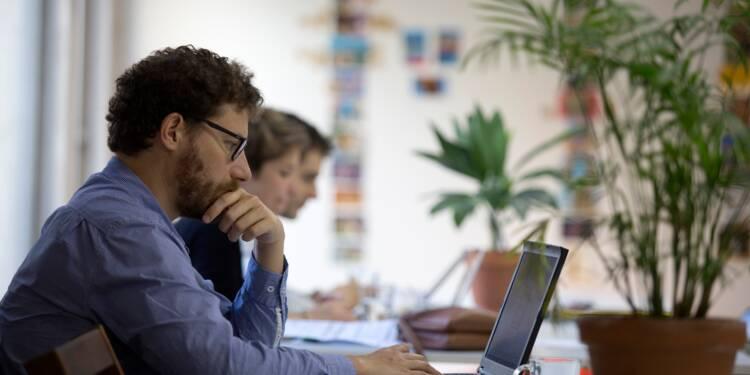 """Le gouvernement se penche sur le """"coworking"""" pour l'utiliser à ses fins"""
