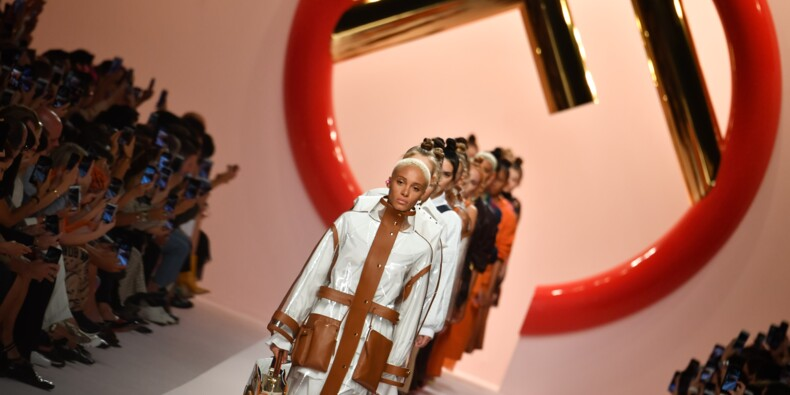 Mode à Milan: amazones chez Fendi et clash chez Prada
