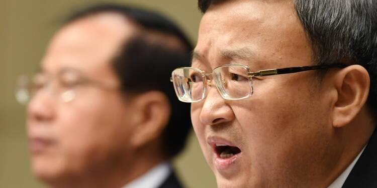 """Commerce: la Chine refuse de négocier avec les Etats-Unis """"le couteau sous la gorge"""""""