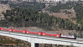 Israël: le nouveau train rapide ouvert au public après des années d'attente