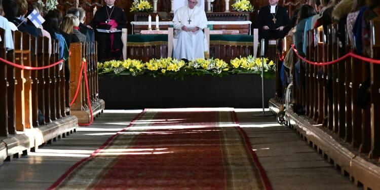 Abus sexuels dans l'Eglise: le pape évoque l'indignation des jeunes