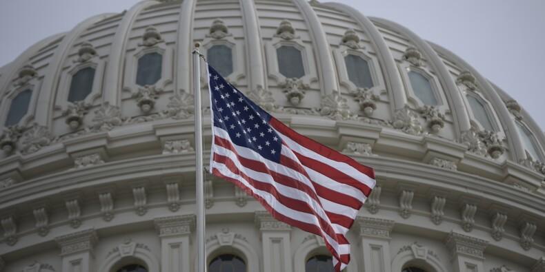 """Le Congrès américain approuve un vaste accord budgétaire et évite un """"shutdown"""""""