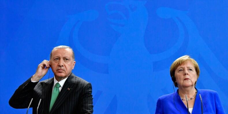 """Merkel et Erdogan affichent une timide détente malgré de """"profondes différences"""""""