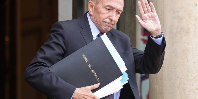 Macron finit par accepter la démission de Collomb
