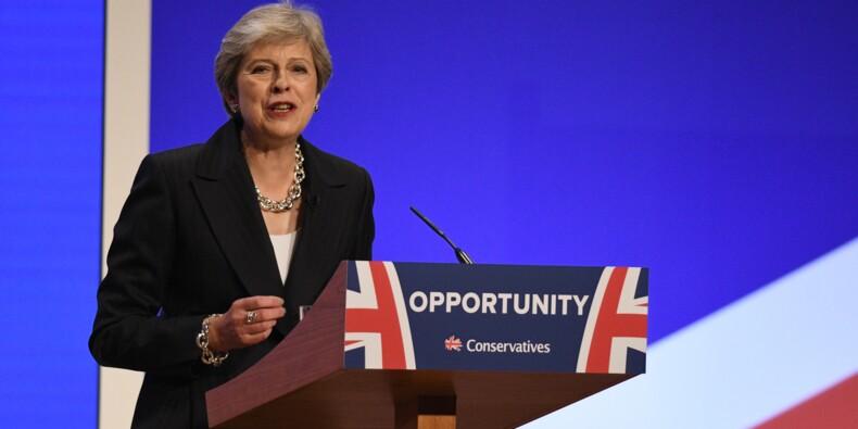 Theresa May, optimiste, continue à défendre son plan pour le Brexit