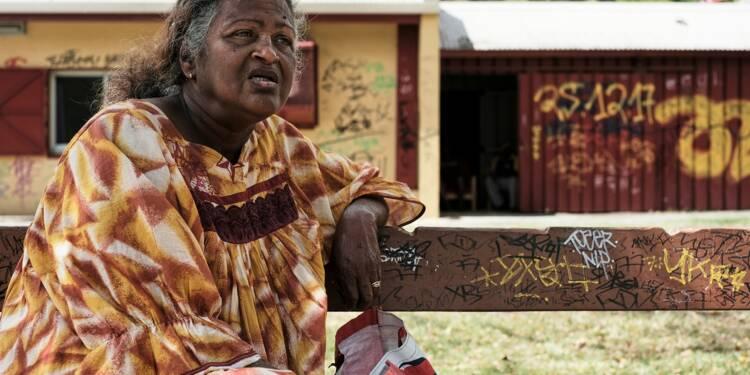 """Dans les quartiers de Nouméa, """"payer ses factures"""" préoccupe plus que le référendum"""