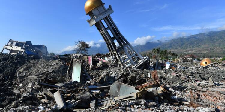 Indonésie: près de 2.000 corps découverts après le séisme suivi d'un tsunami