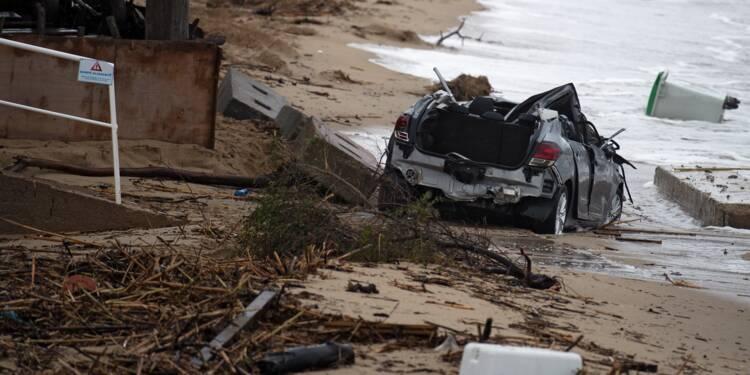 Orages dans le Var: deux personnes noyées dans un véhicule emporté en mer