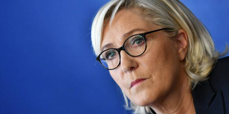 Emplois présumés fictifs du FN: les juges alourdissent la mise en examen de Marine Le Pen