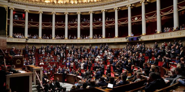 """Le Maire et Darmanin défendent un budget tourné vers """"ceux qui travaillent"""""""