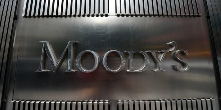 Moody's dégrade la note de l'Italie, s'inquiète de la dette