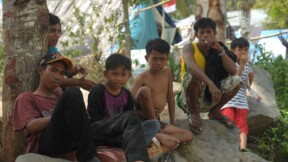 Indonésie: un mois après le séisme, Palu redoute la mousson
