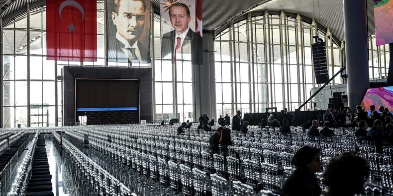 Erdogan inaugure à Istanbul un aéroport censé devenir le plus grand du monde