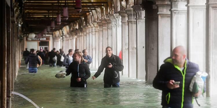 Tempête en Italie: cinq morts, Venise sous l'eau, écoles fermées