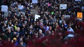 En visite à la synagogue de Pittsburgh, Trump conspué par des manifestants